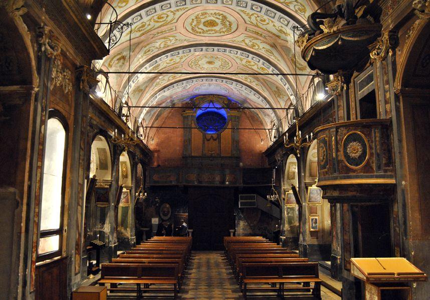 CUCEGLIO - Finiti i lavori la chiesa parrocchiale s'illumina di nuova luce
