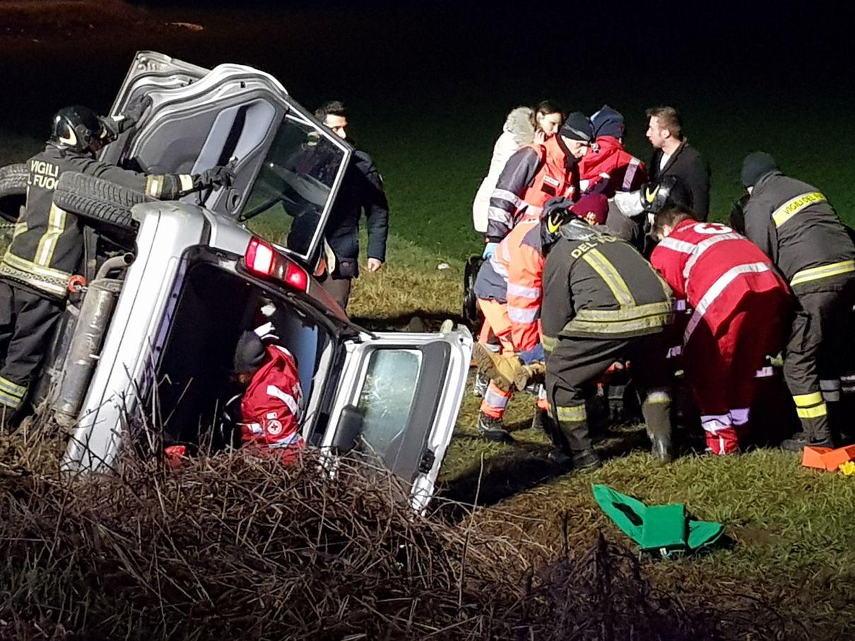 OZEGNA - Spaventoso incidente stradale: feriti tre ragazzi di Rivarolo, Cuorgnè e Oglianico - FOTO e VIDEO