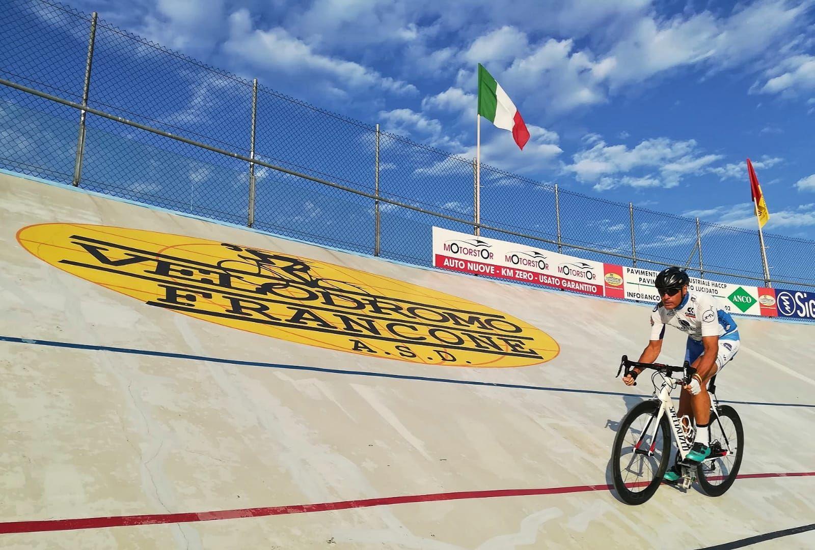 SAN FRANCESCO AL CAMPO - Ciclismo su pista: L'atleta Fabrizio Topatigh è Campione italiano paralimpico - FOTO