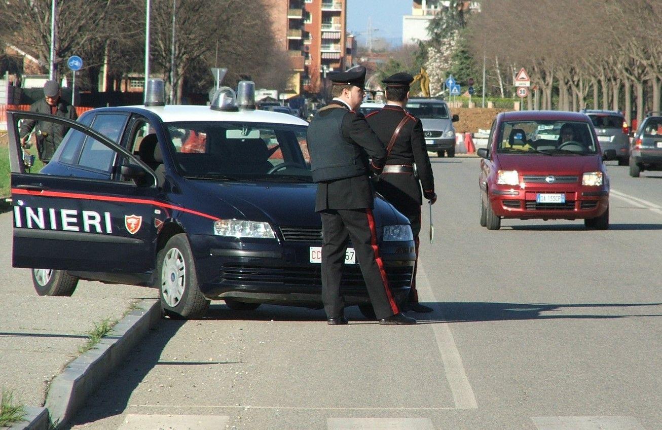 PASQUETTA - Controlli dei carabinieri: compleanno con 13 multe a Gassino