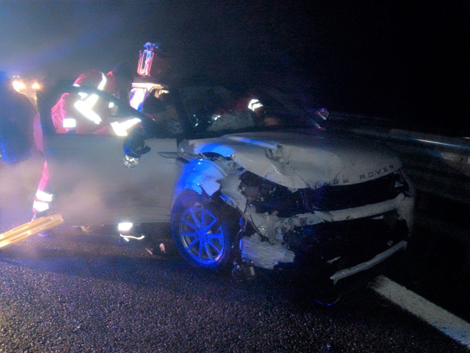 SAN GIORGIO CANAVESE - Maxi incidente sull'autostrada Torino-Aosta: tre feriti e cinque auto coinvolte - FOTO