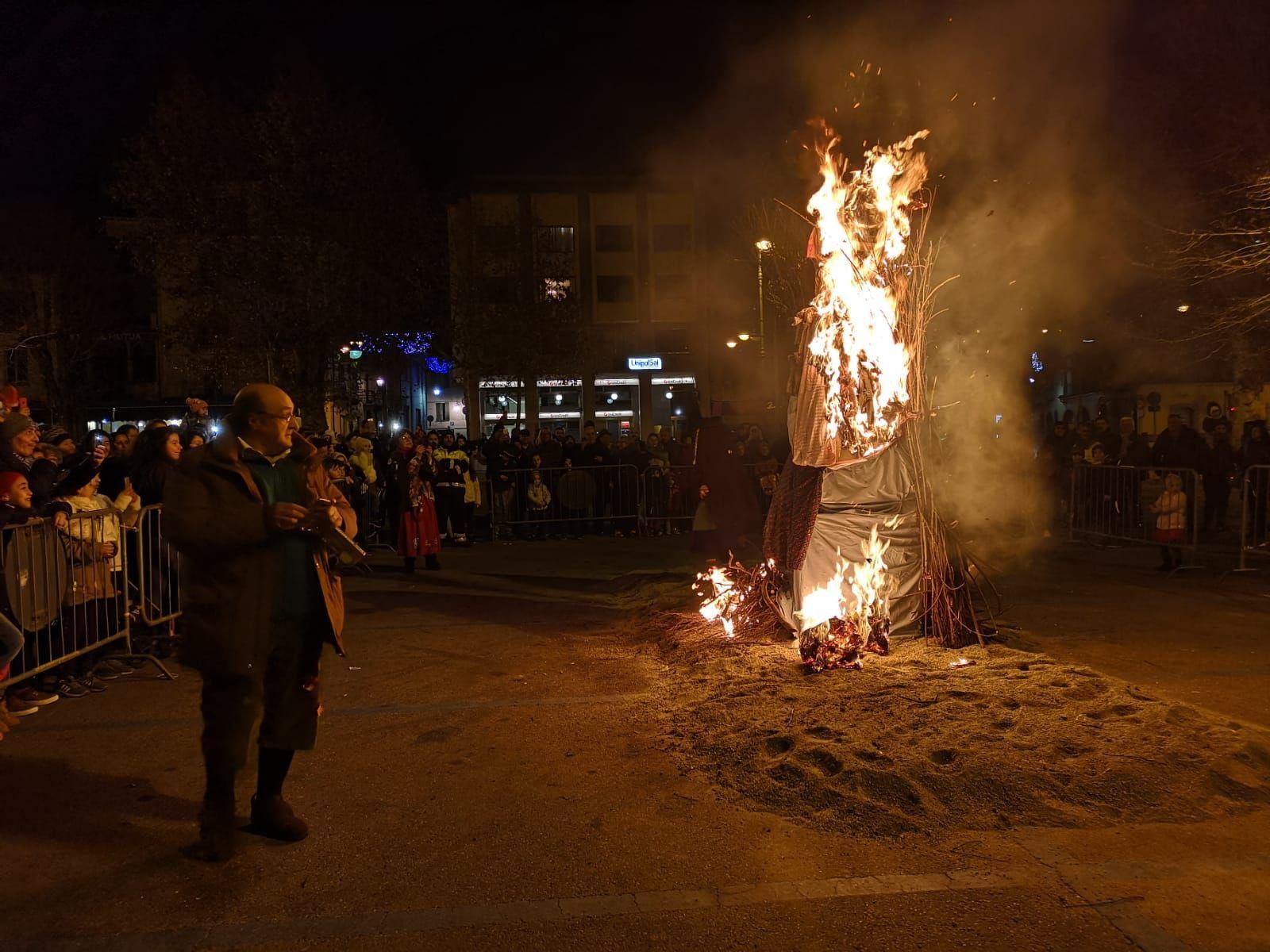 CUORGNE' - Il gran falò della Befana ha salutato le feste - VIDEO