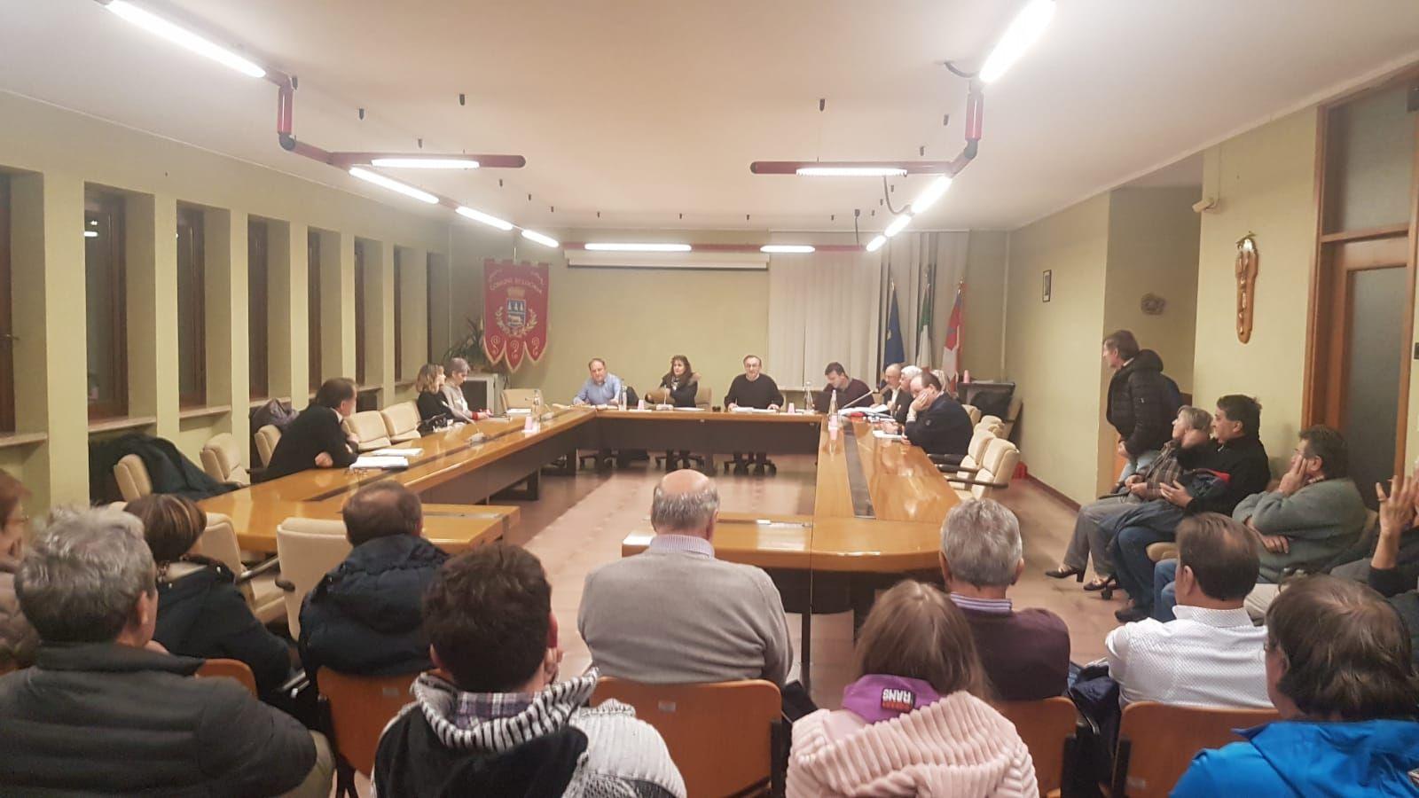 LOCANA - Consiglio comunale caldo: Bruno Mattiet fa ricorso al Tar