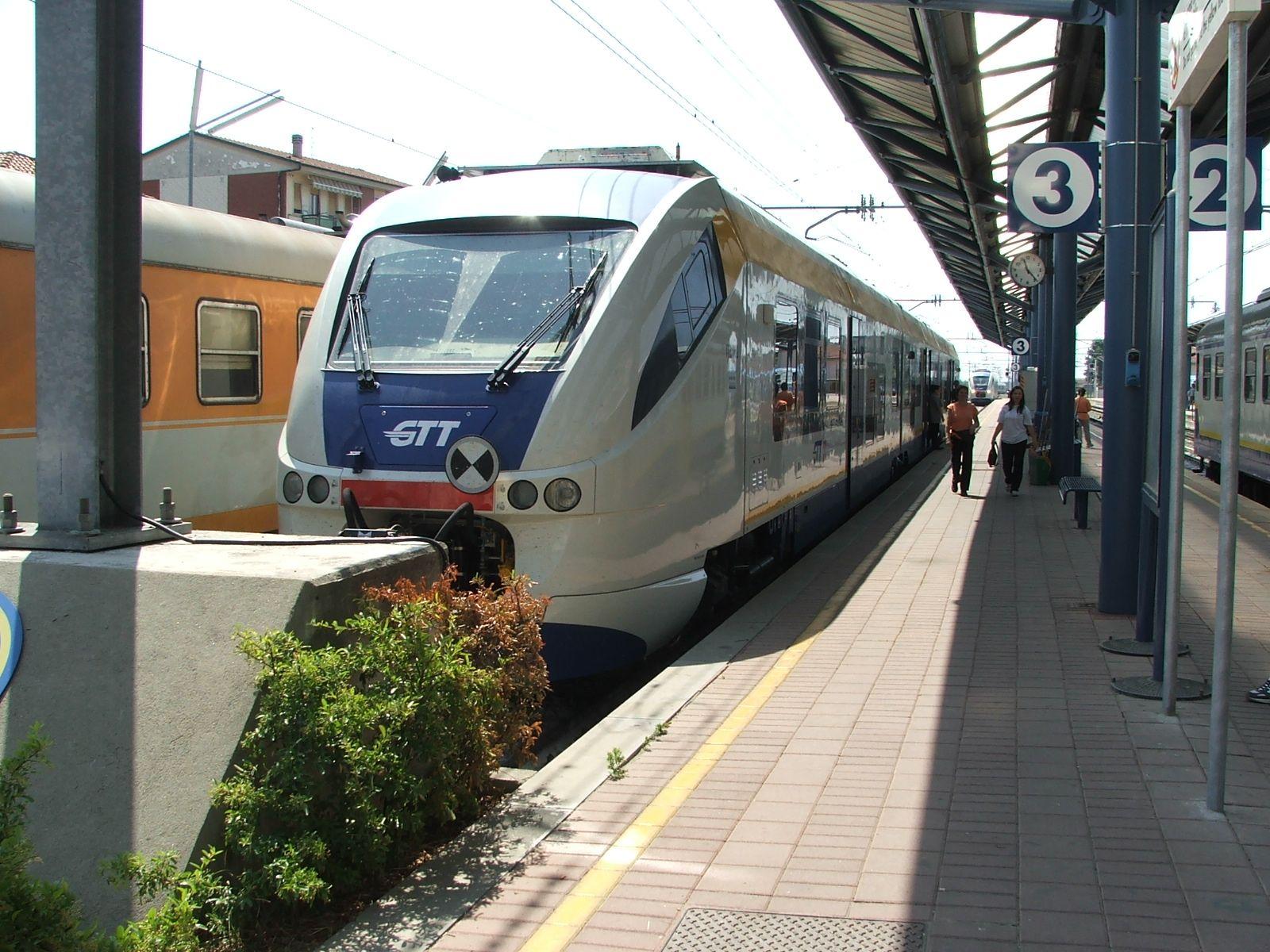 FERROVIA CANAVESANA E TORINO-CERES - Arriva l'estate, Gtt taglia i treni