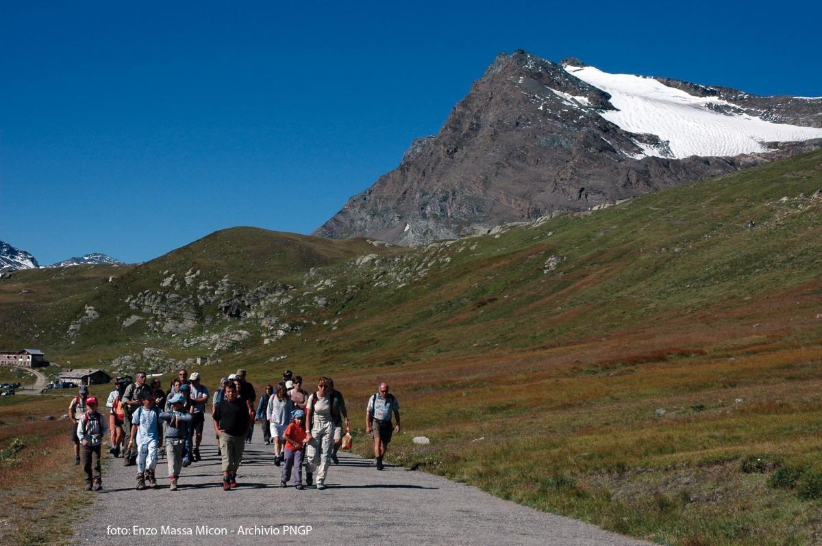 CERESOLE REALE - Torna «A piedi tra le Nuvole»: la domenica al Nivolet solo a piedi, in bici o con le navette Gtt