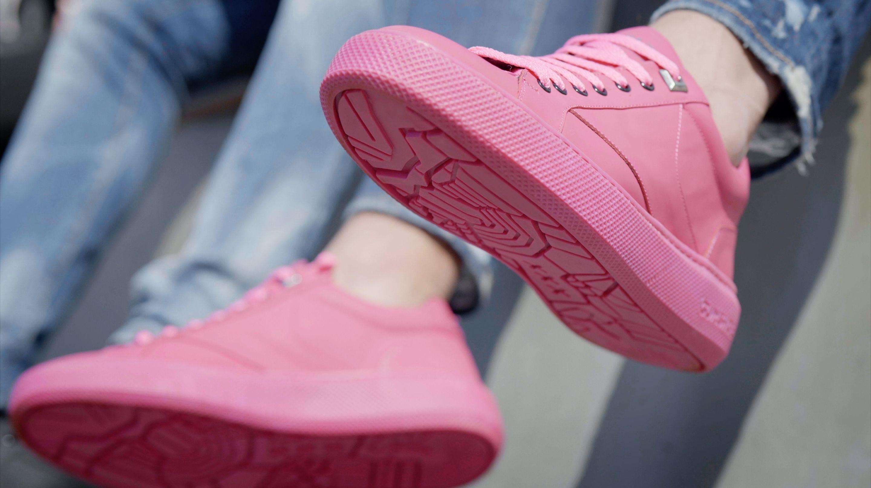 AMBIENTE - Le scarpe di chewing gum