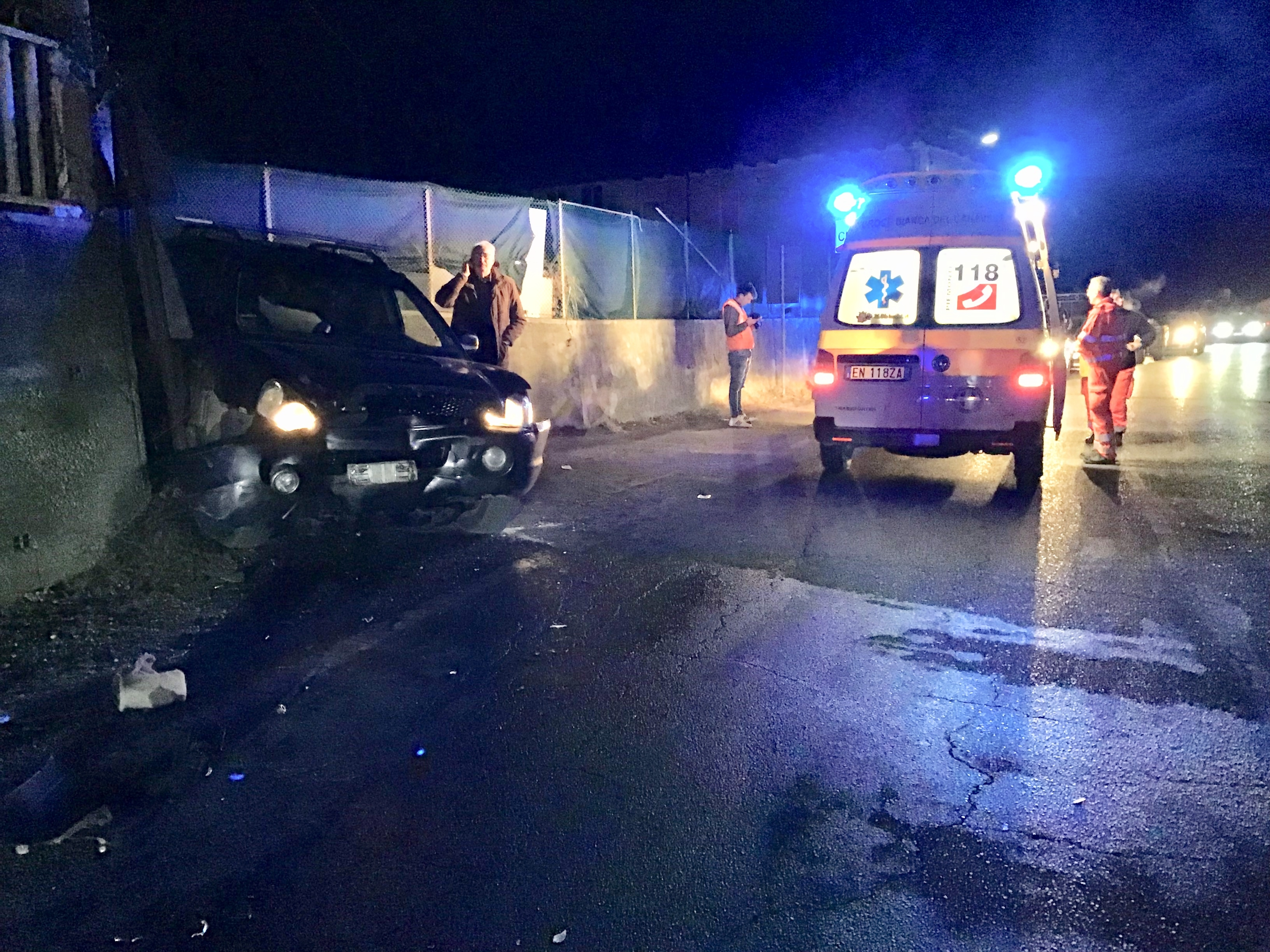 CUORGNÈ-CASTELLAMONTE - Incidente stradale a Piova: due feriti - FOTO E VIDEO