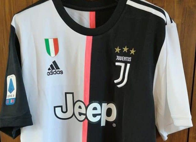 LOTTERIA - Cristiano Ronaldo: la sua maglia autografata aiuta cani e gatti sfortunati