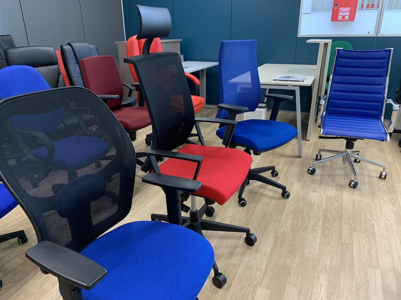 OGLIANICO - Ecco gli accessori fondamentali per una postazione di lavoro ergonomica