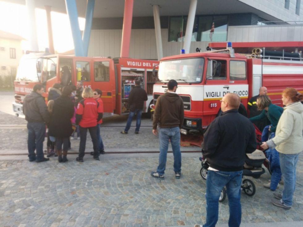 RIVAROLO - Domenica torna «Pompieropoli»