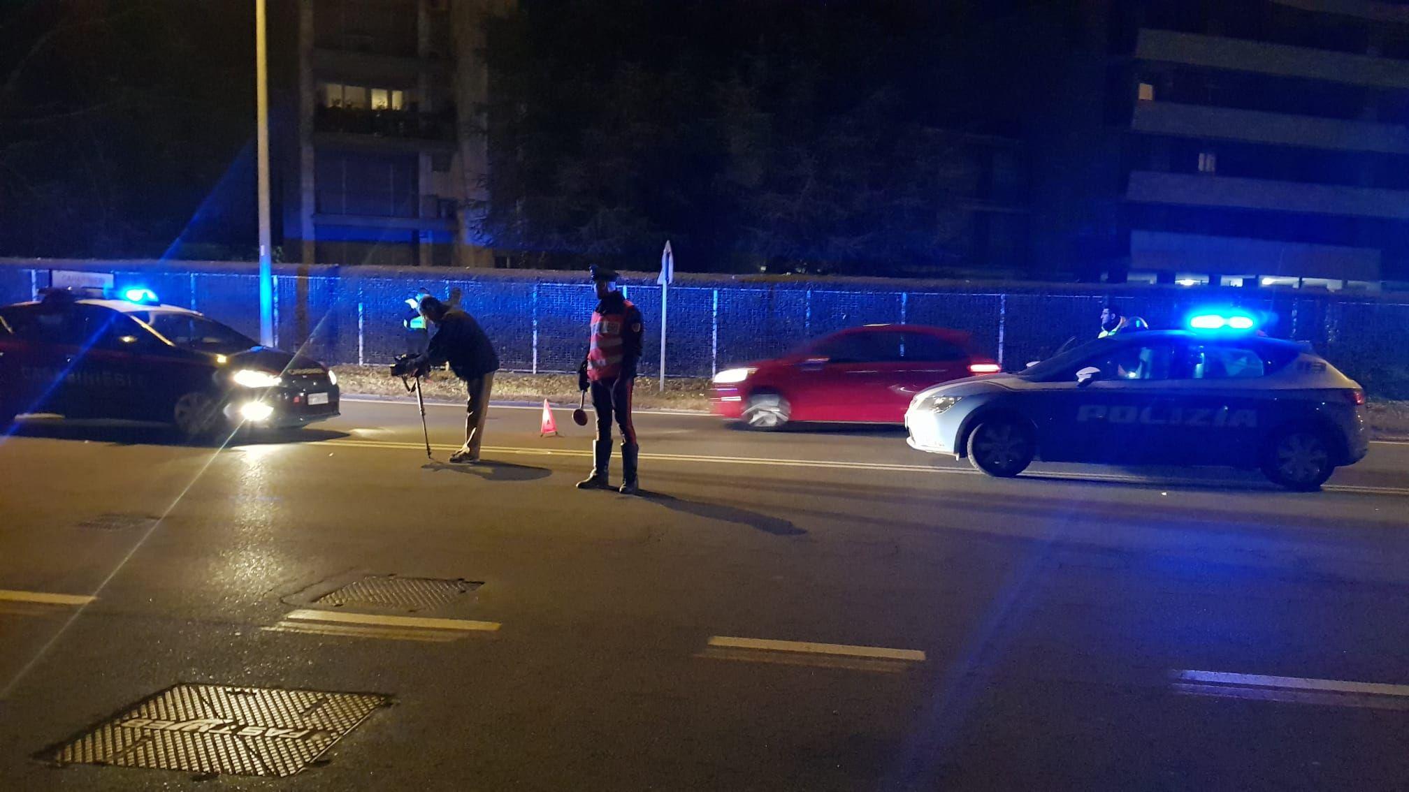 TRAGEDIA A IVREA - E' morta una delle donne investite sulle strisce pedonali di via Jervis - FOTO e VIDEO