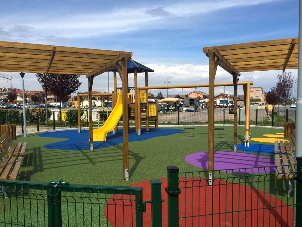 VOLPIANO - Vicino al mercato una nuova area giochi per i bambini