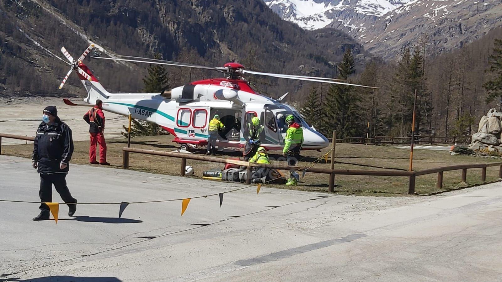 CERESOLE REALE - Scialpinista di Pont Canavese cade in quota, recuperato con l'elisoccorso e trasportato all'ospedale di Ciriè - FOTO e VIDEO