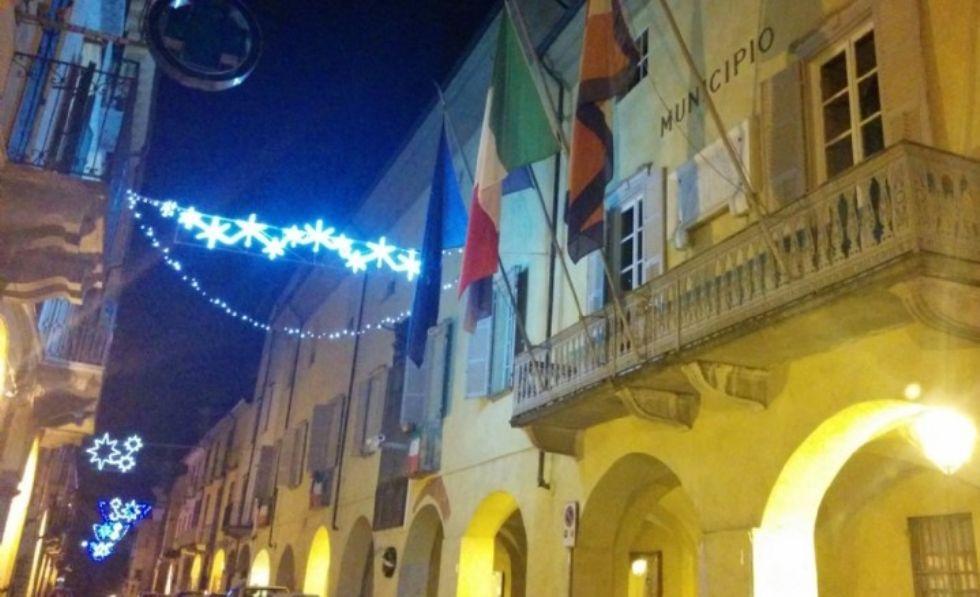 RIVAROLO - Addio alle luci di Natale: la crisi spegne le luminarie