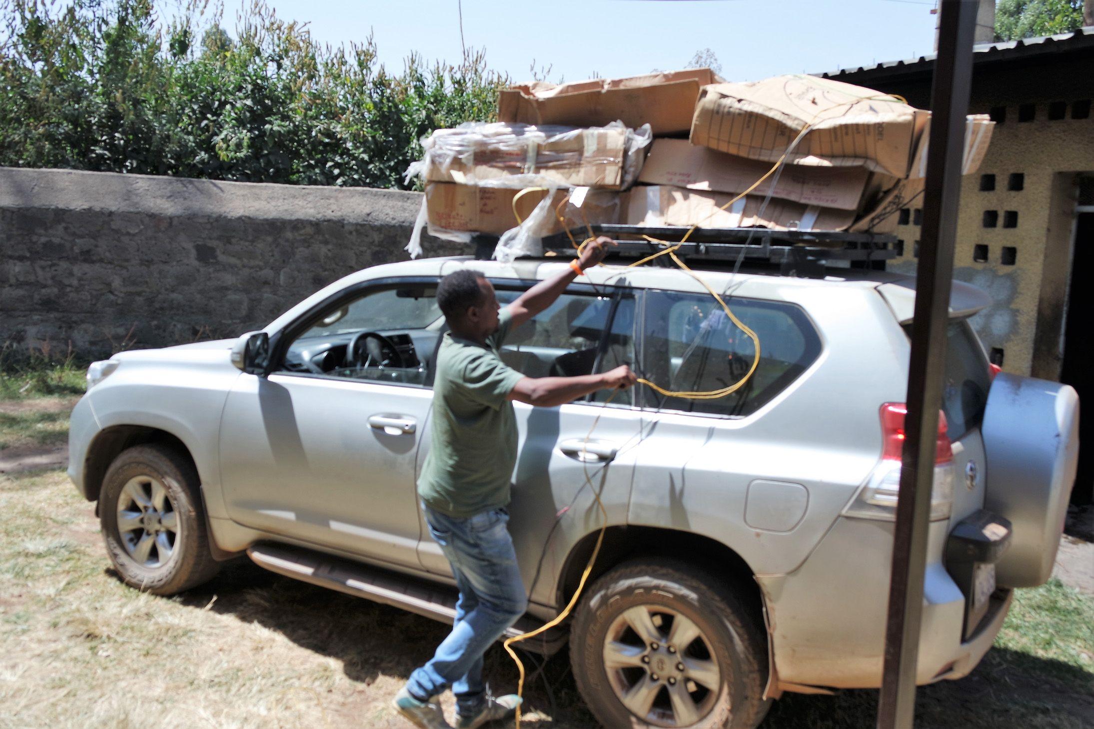 TORRE-RIVAROLO - Dal Canavese all'Etiopia: il lungo viaggio delle carrozzine donate con «Spingi lo Sport»