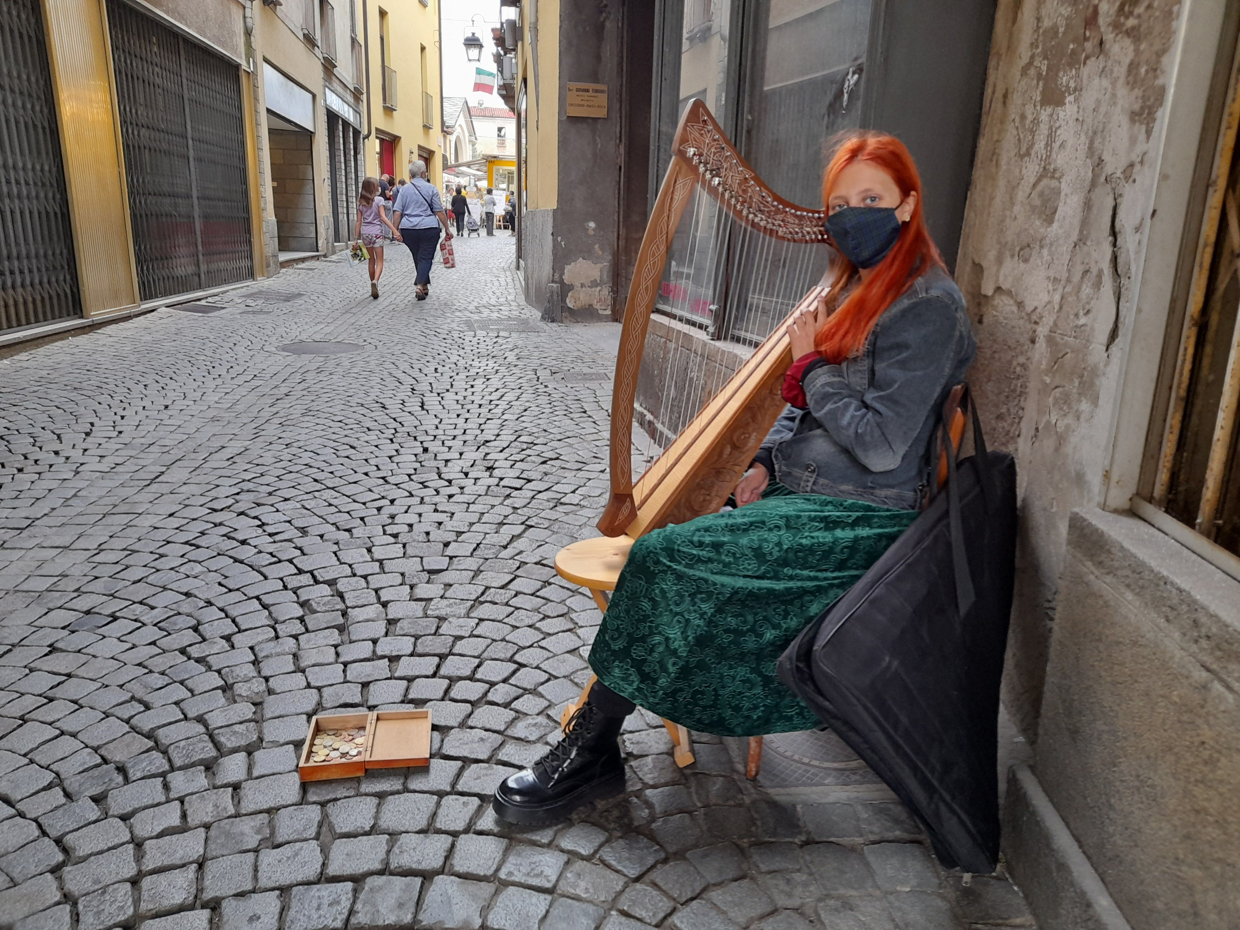 CUORGNE' - Le magiche atmosfere celtiche rivivono grazie all'arpista Martina Merlo - FOTO