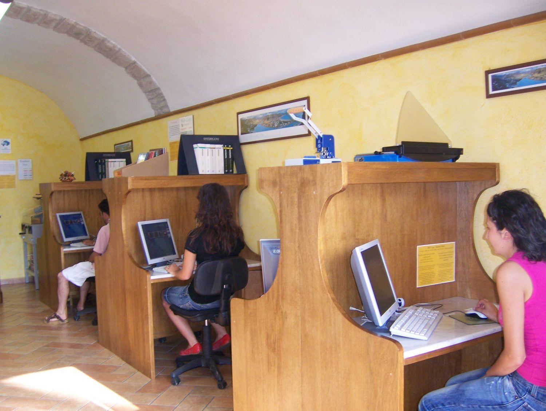 INTERNET - La silenziosa scomparsa degli internet café
