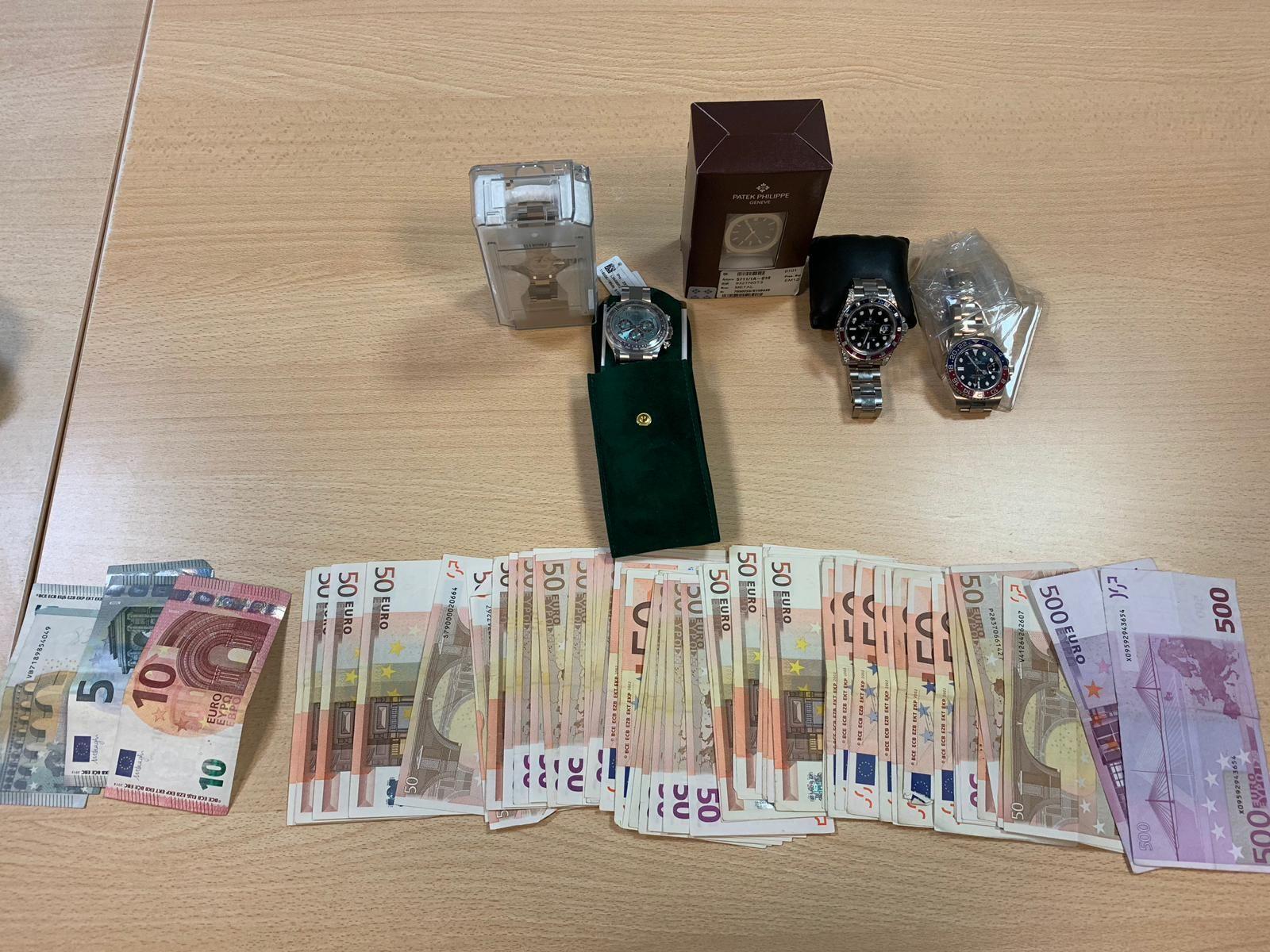 CASELLE - Contrabbando di Rolex «Daytona» e Patek Philippe: 50enne bloccato dalla guardia di finanza - FOTO