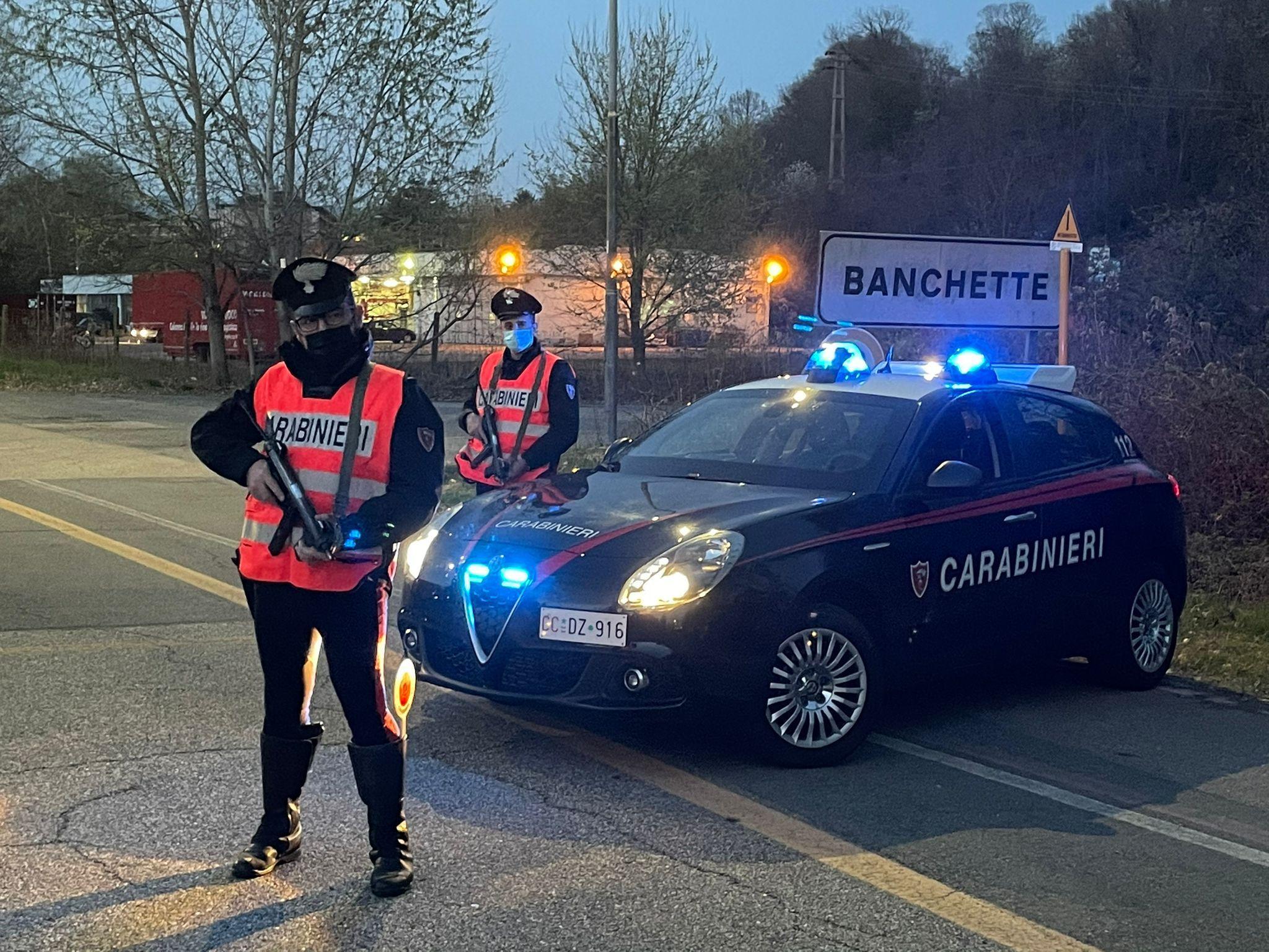 IVREA - Non accetta la fine della relazione, perseguita e picchia l'ex compagna: arrestato dai carabinieri