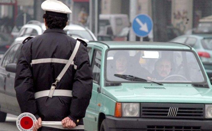 INQUINAMENTO - Semaforo rosso: tornano i blocchi anche per i diesel Euro 5 in 12 comuni