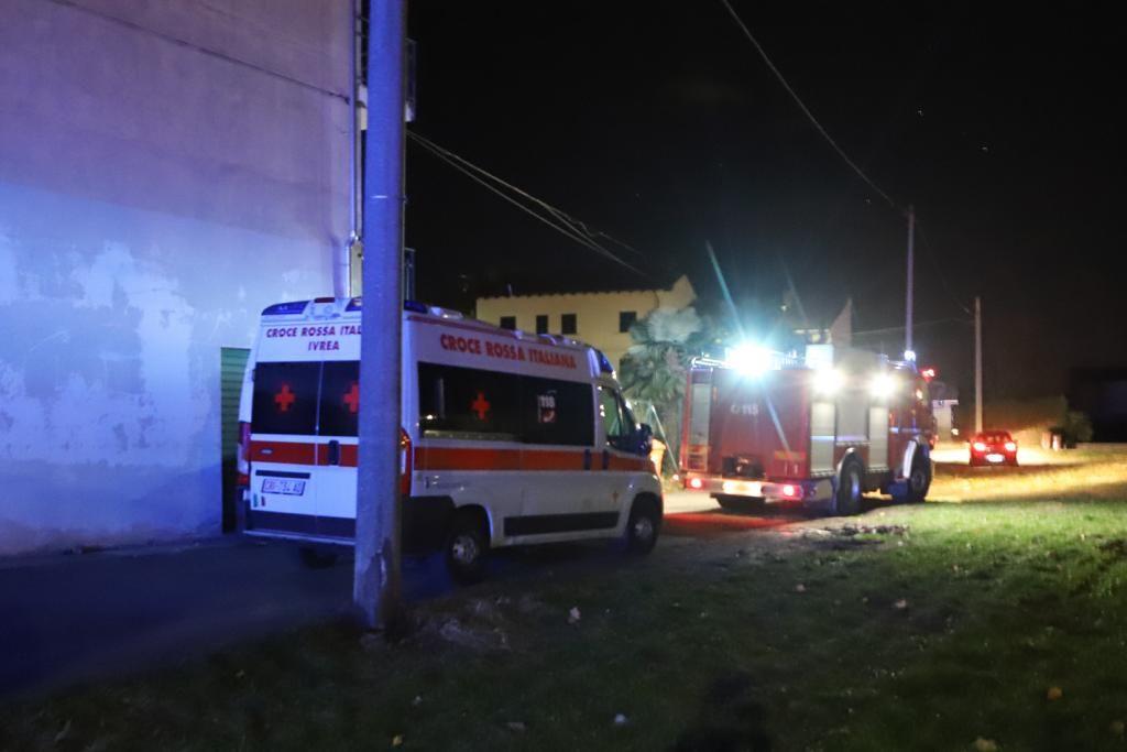 MONTALTO DORA - Incendio in alloggio: richiedente asilo intossicato, ricoverato all'ospedale di Ivrea