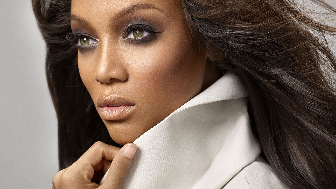GLAMOUR - Modelland: top-model per un giorno con Tyra Banks