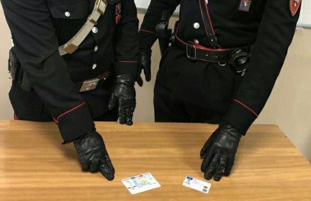 CASTELLAMONTE - In giro con documenti farlocchi: arrestato